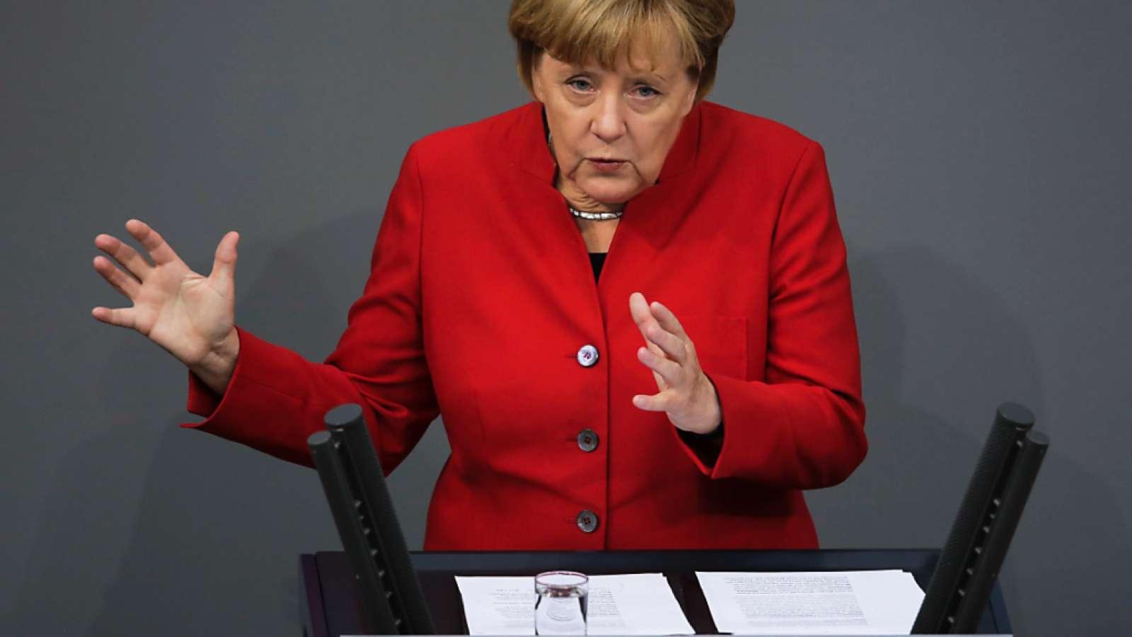 Angela Merkel während ihrer Rede vor dem Bundestag